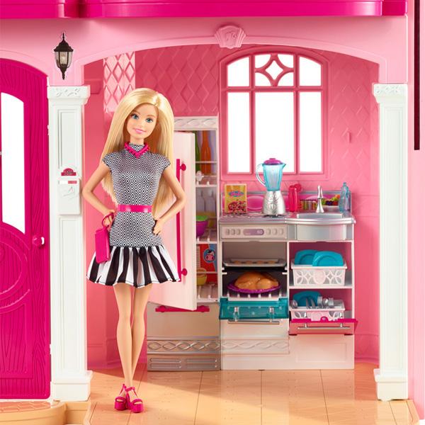 Дом мечты Барби кухня