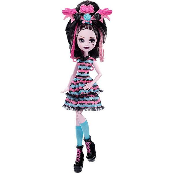 все цены на Mattel Monster High DVH36 Школа Монстров Стильные прически Дракулауры