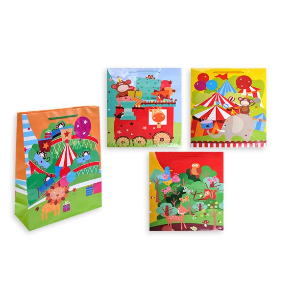 купить Пакет подарочный бумажный S1520 Яркие аппликации, 4 видов (32x26x10 см) (в ассортименте) по цене 49 рублей
