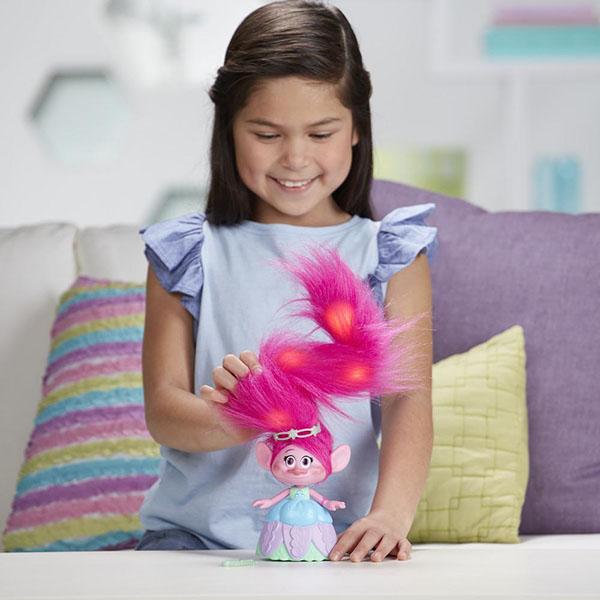 Hasbro Trolls C1305 Тролли Поппи с супер длинными поднимающимися волосами