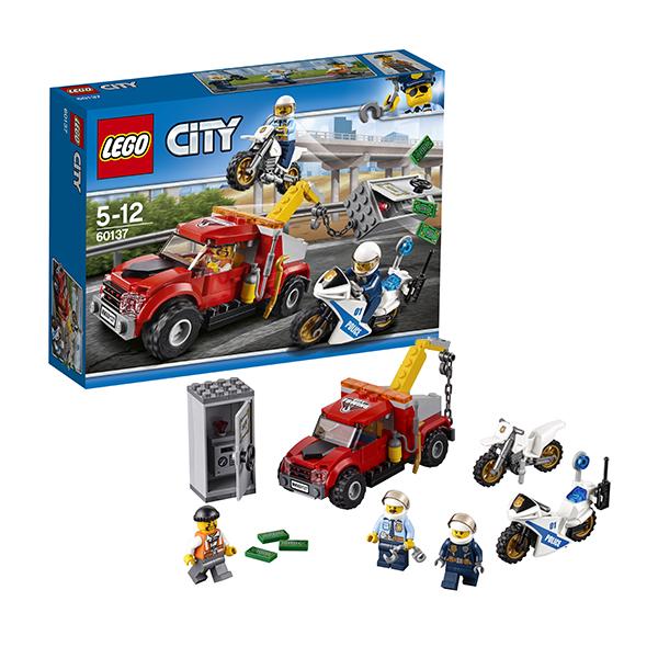 Lego City 60137 Конструктор Лего Город Побег на буксировщике lego city 60110 лего город пожарная часть