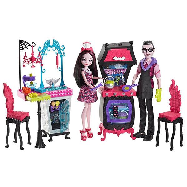 Mattel Monster High FCV75 Игровой набор Семья Дракулауры из серии Семья Монстриков игровые наборы mattel форсаж игровой набор