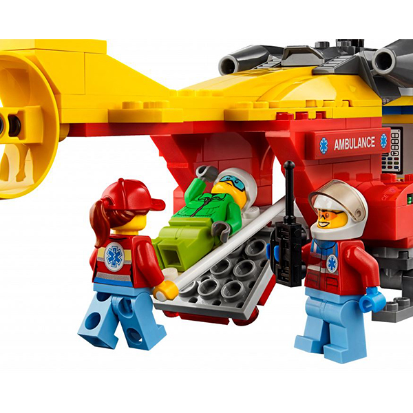 LEGO City 60179 Конструктор ЛЕГО Город Вертолёт скорой помощи