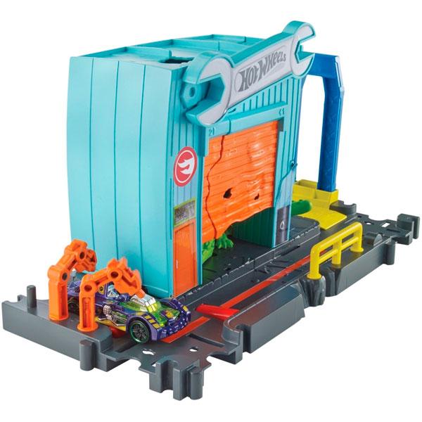 Mattel Hot Wheels FNB06 Хот Вилс Игровой набор Сити с монстрами-злодеями