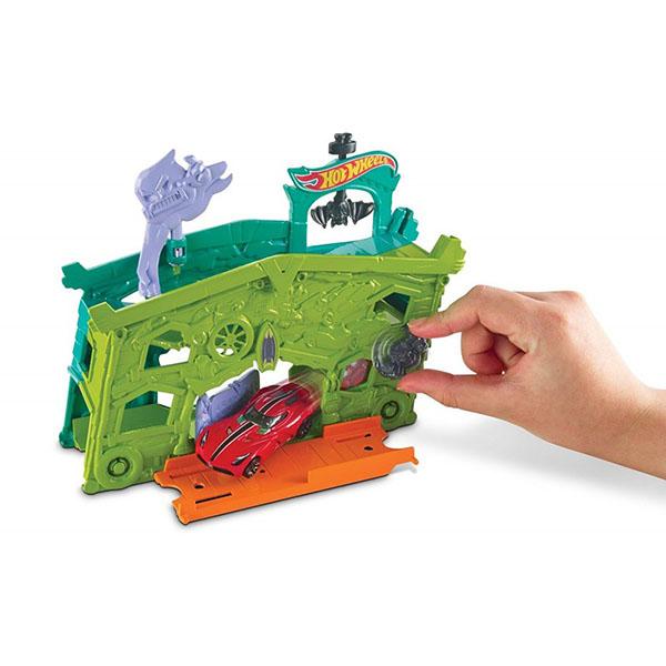 Mattel Hot Wheels DWL03 Игровой набор Гараж с призраками mattel mattel игровой набор cars большой гараж