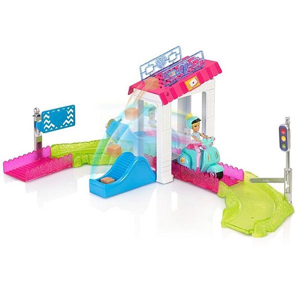 Mattel Barbie FHV85 Барби Кукла В движении Игровой набор Почта акустика на скутер по почте наложенным платежом