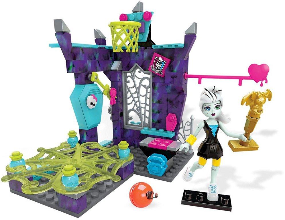 """Mattel Monster High DPK31 Игровой набор """"Класс физкультуры"""""""