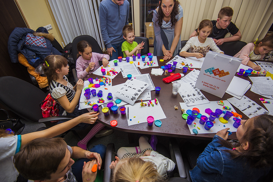 21 января в благотворительном фонде «Арифметика добра» при поддержке TOY.RU прошел мастер-класс в рамках проекта «Поделись доброТОЙ»