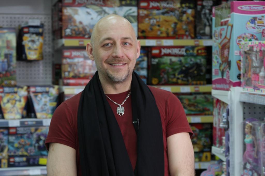 2 апреля в гости к TOY.RU пришел актер и телеведущий Алексей Куличков
