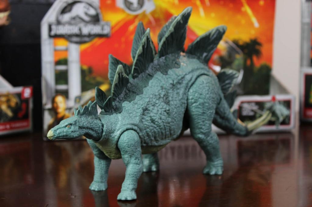 Action-Attack-Stegosaurus.jpg