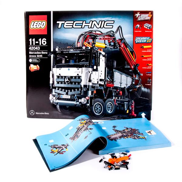 Коробка Lego Technic 42043, иструкция и запасные детали